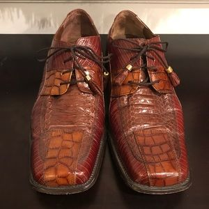 Men Stacy Adams with scuffs